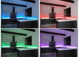 bande led cuisine re led cuisine amazing spots sur rails slideled u pratique de la