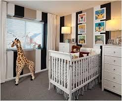 ideen zur babyzimmergestaltung ideen kleines babyzimmer gestaltung deko gestreifte waende weisse