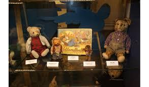 wandle kinderzimmer lebendige geschichte museum zeigt spielzeug im wandel der zeit