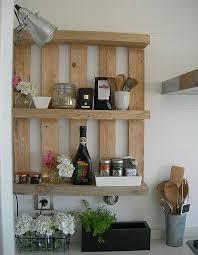 cuisine en palette bois étagère palettes bois cuisine les choses simples