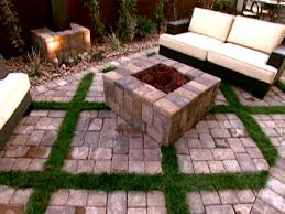 Stone Patio Diy by Flagstone Patio And Walkway Video Diy