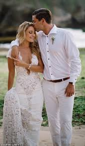 wedding dress bali liz cantor stuns in photos from bali wedding to lysaught