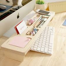Things To Put On Your Work Desk Best 25 Work Desk Decor Ideas On Pinterest Desk Decorations