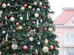 christmastime at disneyland paris u0026 walt disney studios park