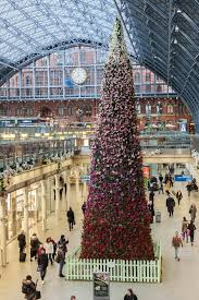 st pancras international christmas tree at st pancras