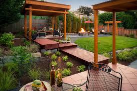 Creative Backyard Mulch Alternatives Leaves And Wood Finding Creative Mulch