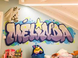 tag chambre chambre de melinda en graffiti avec un poney et une étoile chambre