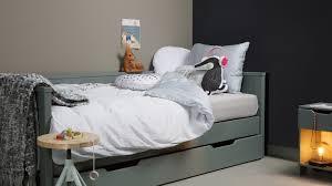 canape lit pour enfant canapé lit d enfant en pin vert collection homifab