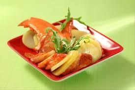 cuisine homard recette de salade de pommes de terre et homard poché au jus de