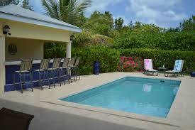 perroquet villa seashell breeze turks caicos seashell breeze perroquet villa pool bar area