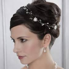 Hochsteckfrisurenen Hochzeit Mit Blumen by Brautfrisuren Inspiration Für Alle Haartypen