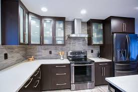 new kitchen cabinets what to look for when you buy new kitchen cabinets in milwaukee