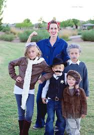Pitchers Halloween Costumes Travel Historical Figures Group Theme Clever Halloween
