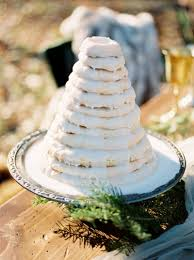 beautiful frosty winter wedding inspiration oregon wedding