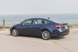 2017 toyota avalon reviews and rating motor trend