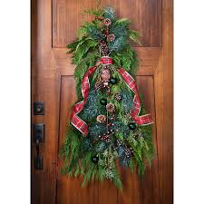 Christmas Decorations For Front Door Porch by Christmas Decor For Front Porches