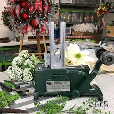 Halloween Picks For Wreaths by How To Use A Steel Pick Machine For Wreath Making Southern Charm