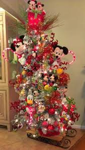 Mickey And Minnie Outdoor Christmas Decor by Beautiful Christmas Trees And A Link Party Mickey Mouse
