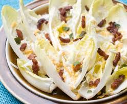 cuisiner des endives endives aux lardons recette de endives aux lardons marmiton