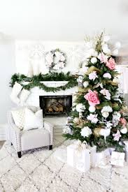 10 insanely beautiful ways to decorate your christmas tree