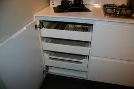 cassetti per cucina cassetti scorrevoli cucina 70 images mobile mobiletto
