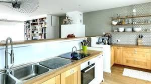 vernis meuble cuisine repeindre un meuble en bois verni repeindre meuble cuisine meuble