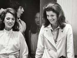 jackie kennedy onassis and lee radziwill u0027s relationship with