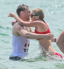 piers morgan on taylor swift and tom hiddleston u0027s romance daily