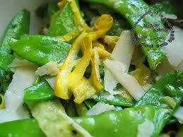 comment cuisiner les pois mange tout salade de jeunes pois mange tout et de courgettes de la