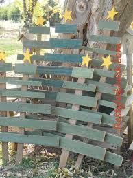 Homemade Outdoor Christmas Tree Decorations by Best 25 Diy Outdoor Christmas Decorations Ideas On Pinterest