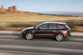 porsche jeep 2015 porsche cayenne suv gets new look plus plugin hybrid model