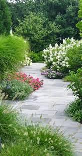modele jardin contemporain nos propositions en vidéos pour faire une allée de jardin pavé