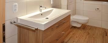 fußbodenheizung badezimmer badezimmer renovieren ideen moderne badezimmer renovieren