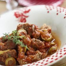 comment cuisiner des joues de boeuf recette daube de joues de boeuf aux olives vertes