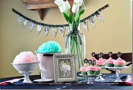how to decorate birthday table 46 popular first birthday party themes tip junkie