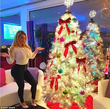Off White Christmas Decorations by Coco Austin And Britney Spears Show Off Their Christmas Trees On