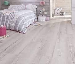 carrelage pour chambre à coucher carrelage effet parquet blanc trendy carrelage imitation parquet