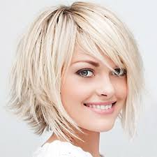 chinbhairs and biob hair chin length choppy lyre bob hairstyle style to add volume in thin