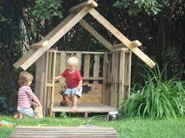 casa para nino palet kids outdoor wooden playhouse ideas loccie