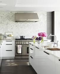 good looking marble kitchen backsplashes featuring running bond