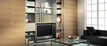 schranksysteme wohnzimmer wohnzimmer mit schiebetüren und mit inova gestalten