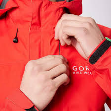 best gore tex cycling jacket gore men u0027s element paclite gore tex cycling jacket blacks