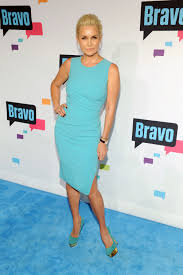 who dors yolanda fosters clothing real housewives yolanda foster s 27 5 million estate is for sale