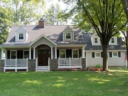 Small House Exterior Paint Schemes by Best 25 Cape Cod Exterior Ideas On Pinterest Cape Cod Houses