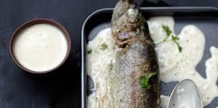 cuisiner truite enti鑽e truite entière à la crème facile recette sur cuisine actuelle