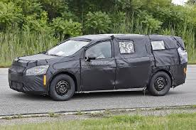 2017 chrysler town u0026 country spied up close and personal