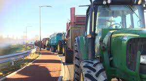 siege montauban montauban les agriculteurs se dirigent vers une ville en état de