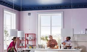 pittura soffitto soffitto colorato cambia la percezione della stanza casafacile