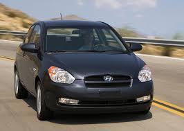 hyundai accent review 2009 cheap and green 2009 hyundai accent vs 2009 nissan versa