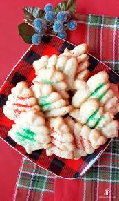 how to make spritz cookies with a cookie press handmade holidays